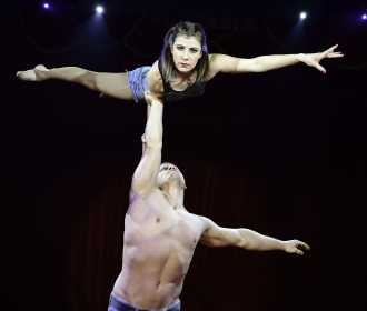 Attila and Felícia, Duo Adagio act (9)